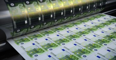 Printing hundred euro banknotes
